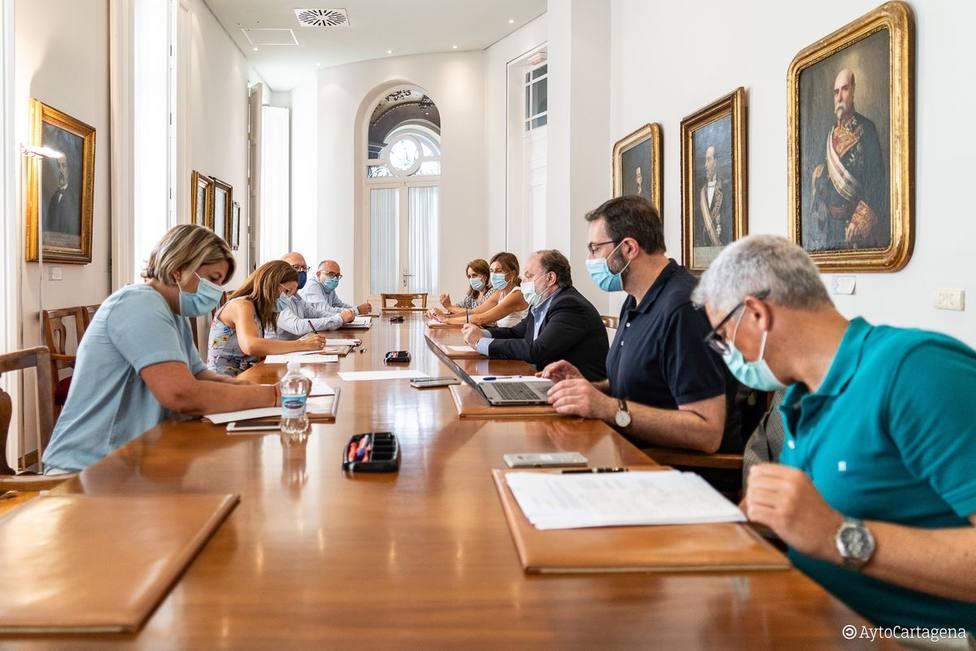 Profesionales de los Servicios Sociales municipales colaborarán con la consejería de Salud para evitar que hay