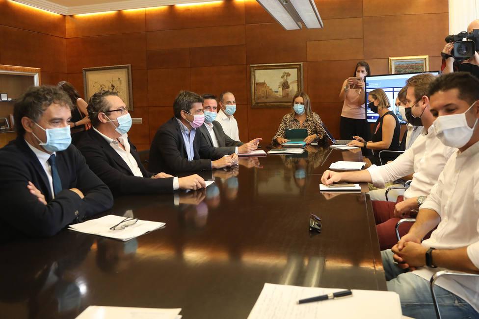 reunión con el sector turístico de la provincia (Diputaciín)