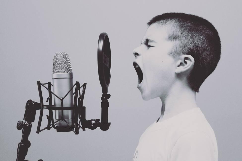 ctv-fpk-microphone-1209816 1920