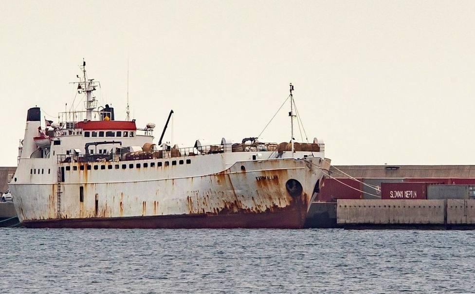 Comienza el sacrificio de las reses del buque de ganado Karim Allah