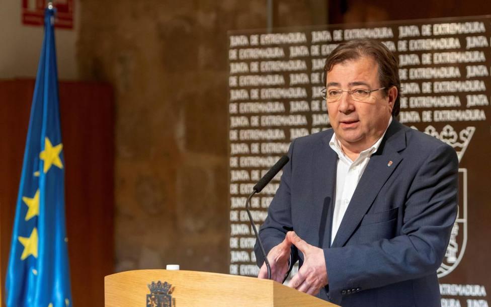 Guillermo Fernández Vara en rueda de prensa (Archivo)
