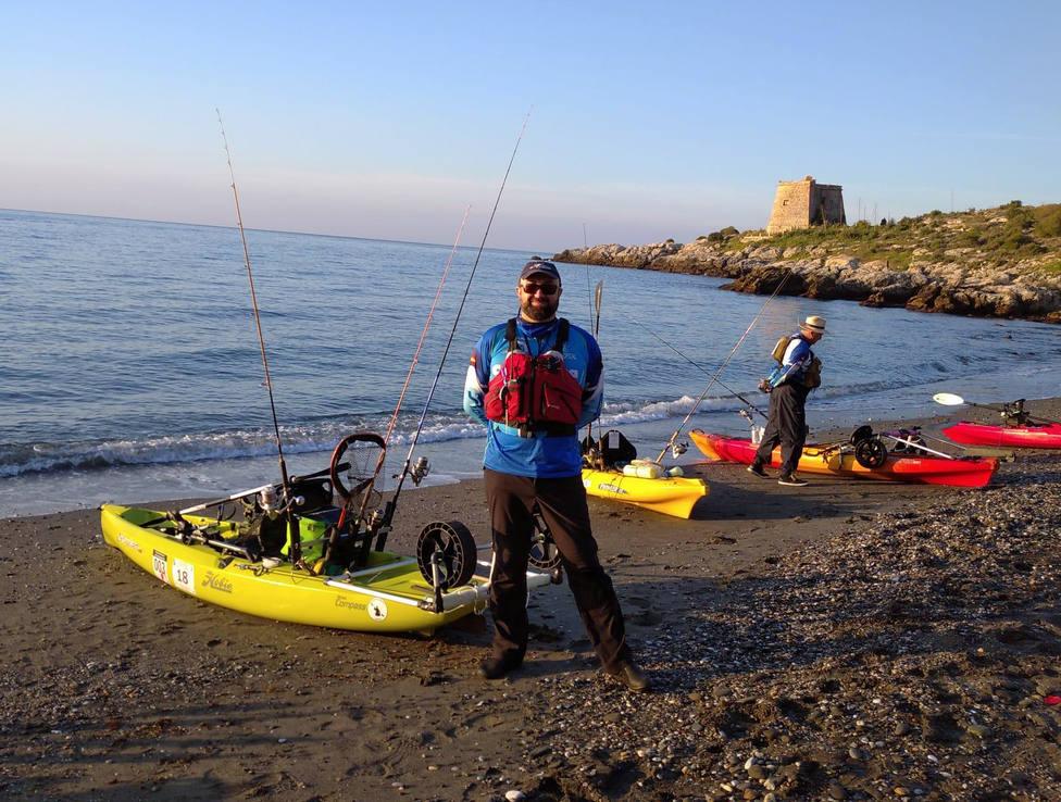 El almuñequero David Olivares Pontes se proclama campeón provincial de pesca en kayak