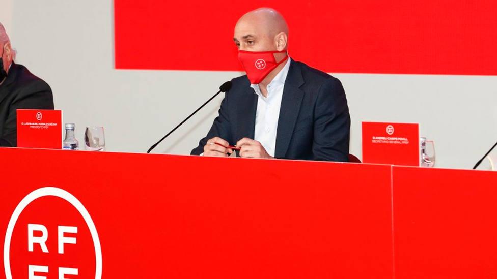 Luis Rubiales, durante la reunión con los clubes de la futura Primera RFEF (FOTO: RFEF)