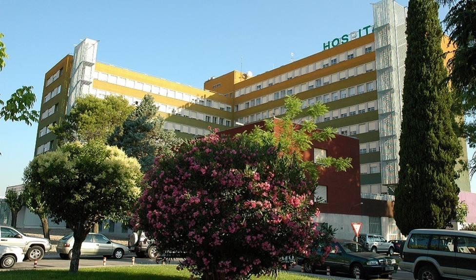 CORONAVIRUS | Andalucía baja 99 hospitalizados hasta 1.285 y siguen los pacientes en UCI en 346