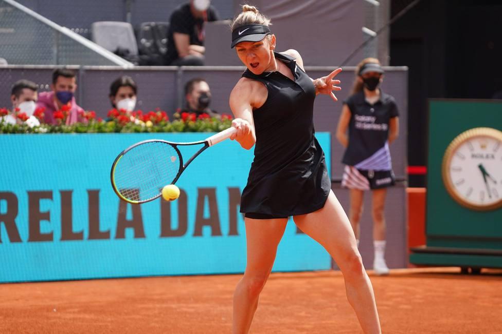 Saisai Zheng (CHN) vs Simona Halep (ROU) WTA Mutua Madrid Open