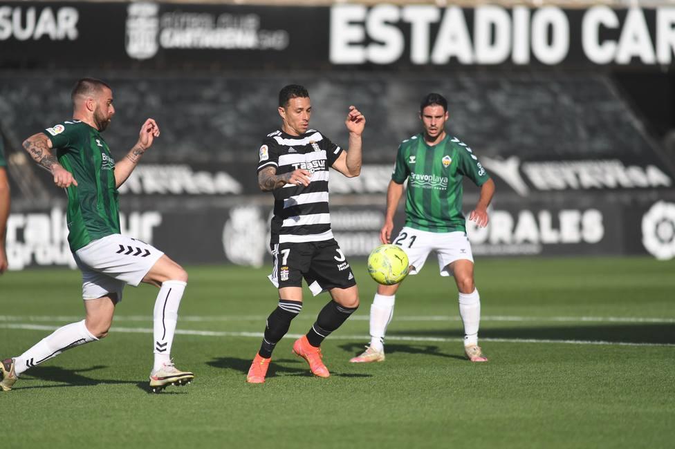 Balón de oxígeno para el FC Cartagena gracias al gol de Rubén Castro