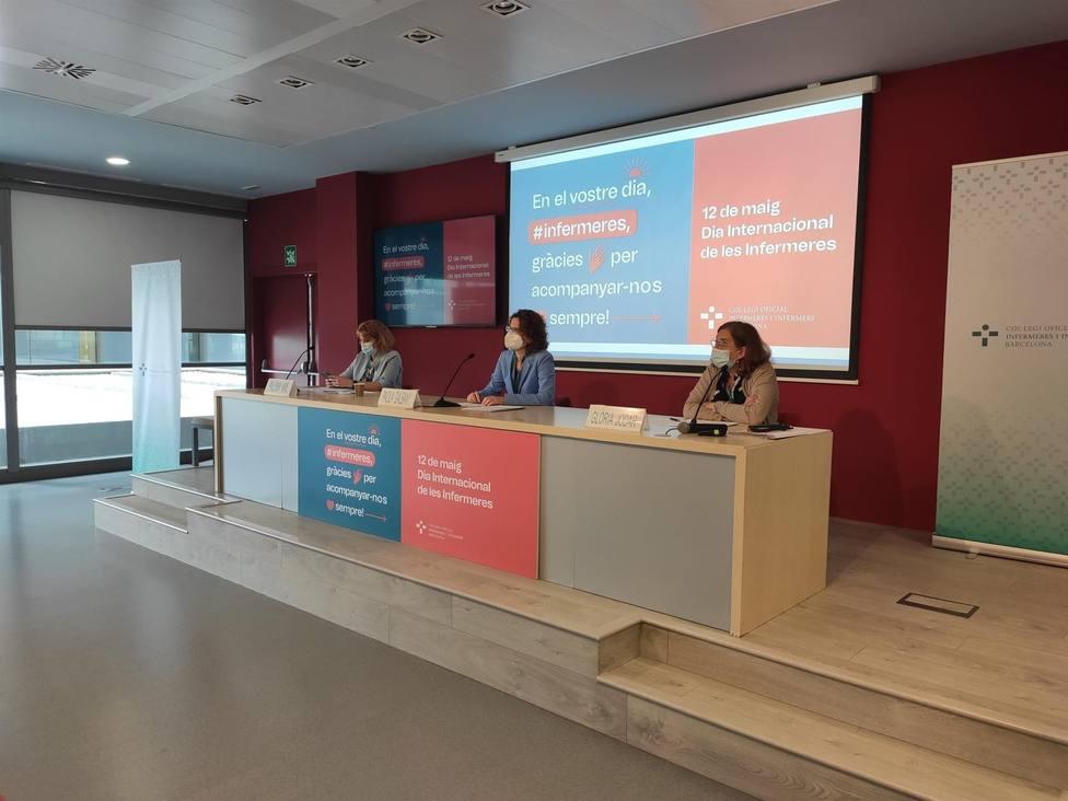 Paola Galbany, Glòria Jodar y Paloma Amil en una rueda de prensa - COIB