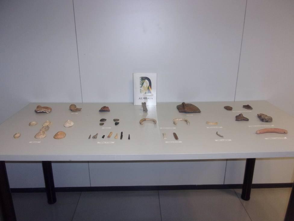 Hallada una cueva prehistórica en Sierra Alhamilla y recuperado diverso material arqueológico