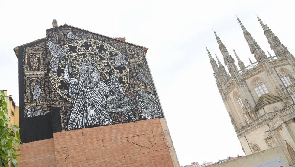 Presentación del proyecto mural Mímesis, seres y lugares, que está pintando el dúo francés MonkeyBird.