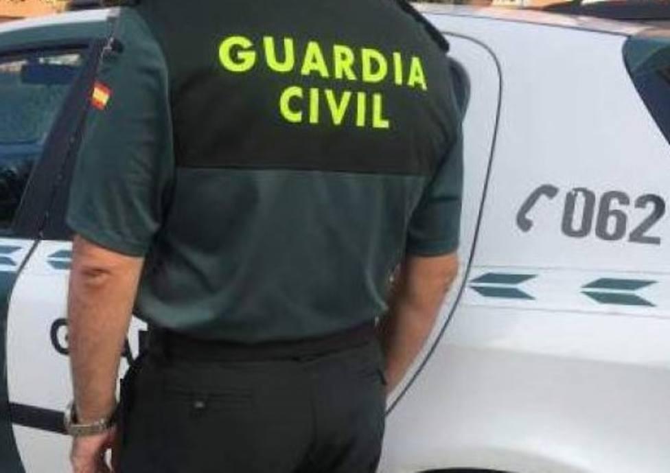 El coche fue recuperado por la Guardia Civil en Ferreira de Pantón