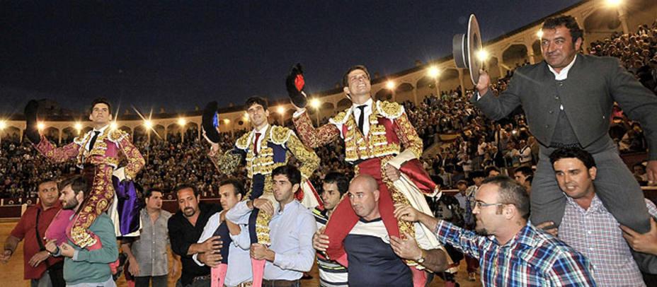 Garrido, López Simón, El Juli y el mayoral de Daniel Ruiz, a hombros este jueves en Albacete. EFE