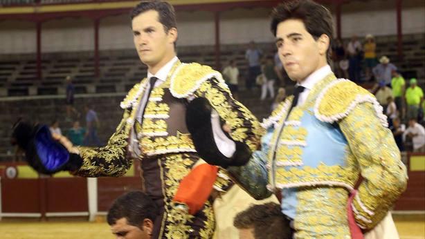 Daniel Luque y Álvaro Lorenzo en su salida a hombros este sábado en Ciudad Real