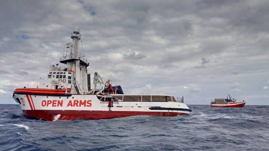 La Generalitat acuerda abrir sus puertos a barcos que rescatan inmigrantes