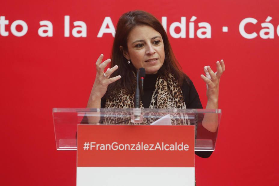 La vicesecretaria general del PSOE, Adriana Lastra, interviene en el acto de presentación del candidato socialista a la Alcaldía, Fran González.