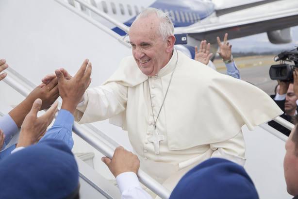 Las 5 'fake news' sobre el Papa Francisco que no conocías