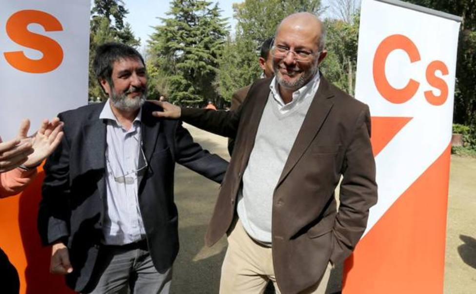 Manuel Mitadiel junto a Francisco Igea