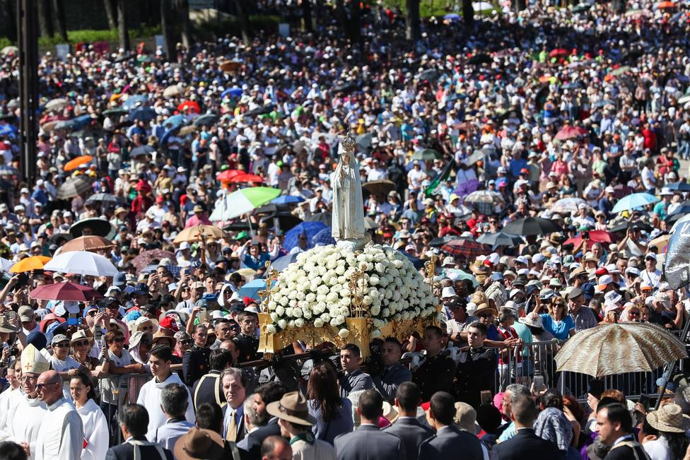 Más de 200.000 personas acuden a la peregrinación de mayo en Fátima