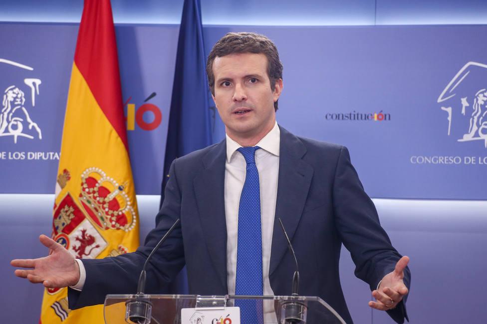Casado pide a Sánchez evitar tacticismos y no demorar la investidura