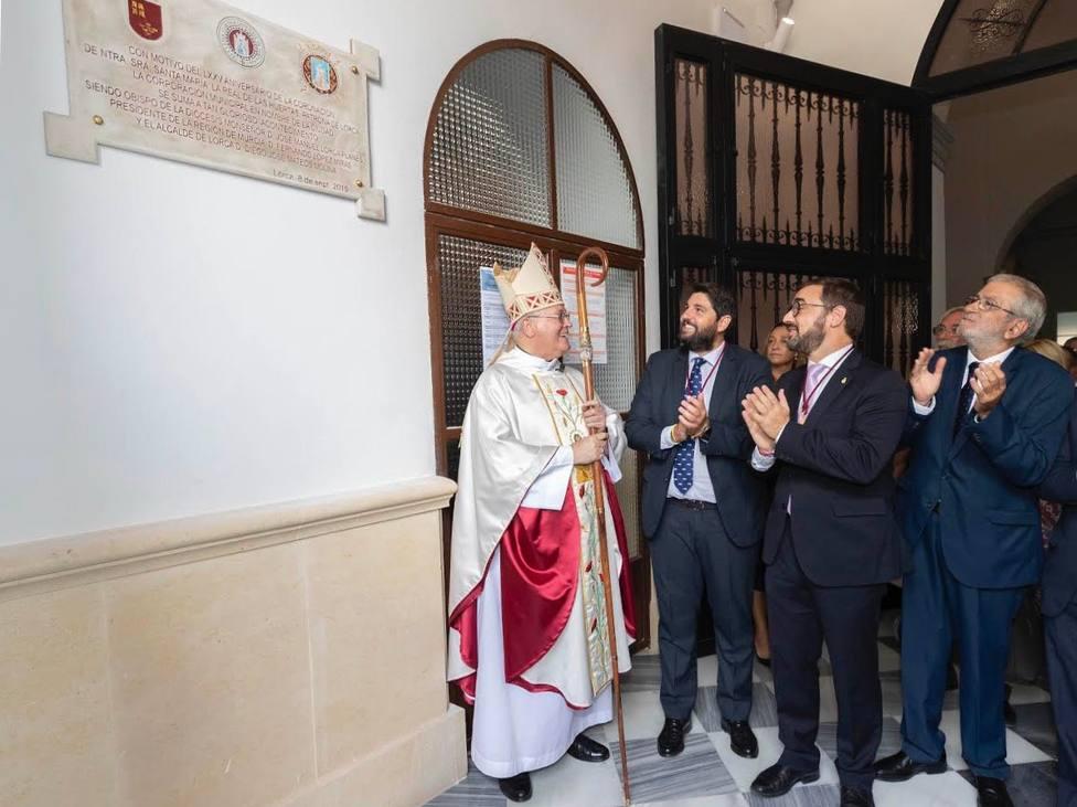 López Miras asistió a la misa en honor a la Virgen de las Huertas de Lorca