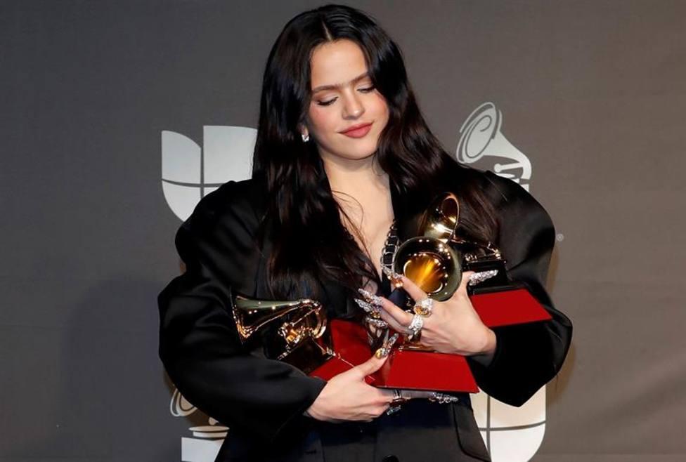 Rosalía cautiva al mundo y arrasa en los premios Grammy Latino