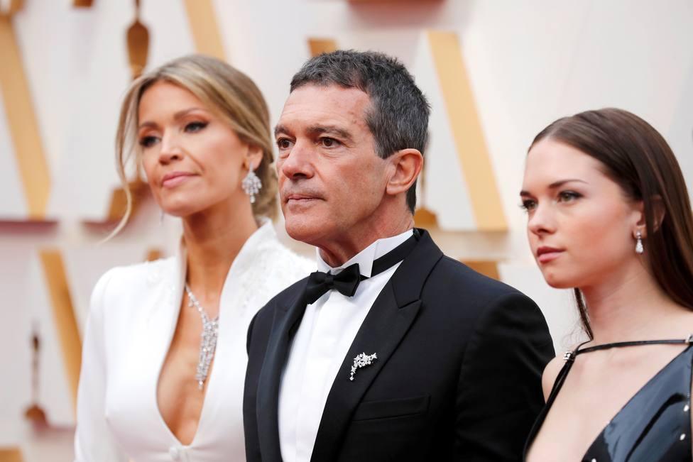 Antonio Banderas, junto a su pareja Nicole Kimpel, y su hija Stellla