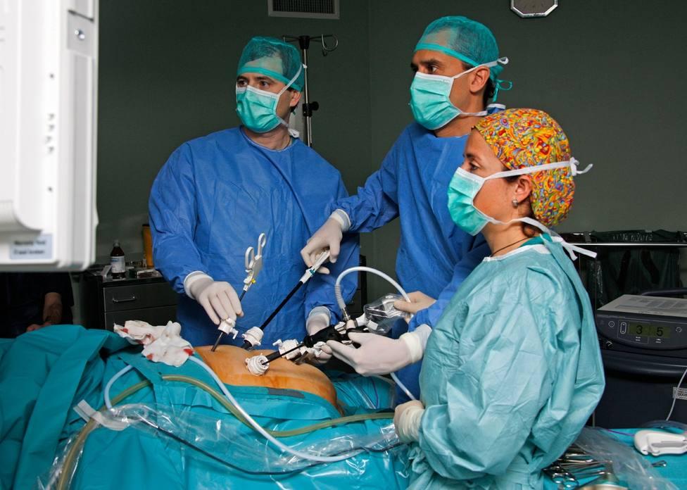 Las cirugías bariátricas pueden duplicar los niveles máximos de alcohol en la sangre