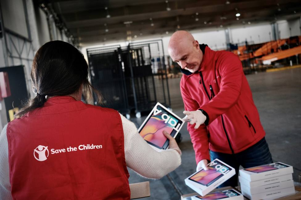 Coronavirus.- Samsung dona 600 tabletas para que escolares en riesgo de exclusión puedan seguir el curso desde casa