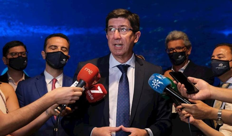 Andalucía urge al Gobierno a cerrar un acuerdo para controlar la situación de migrantes con Covid-19