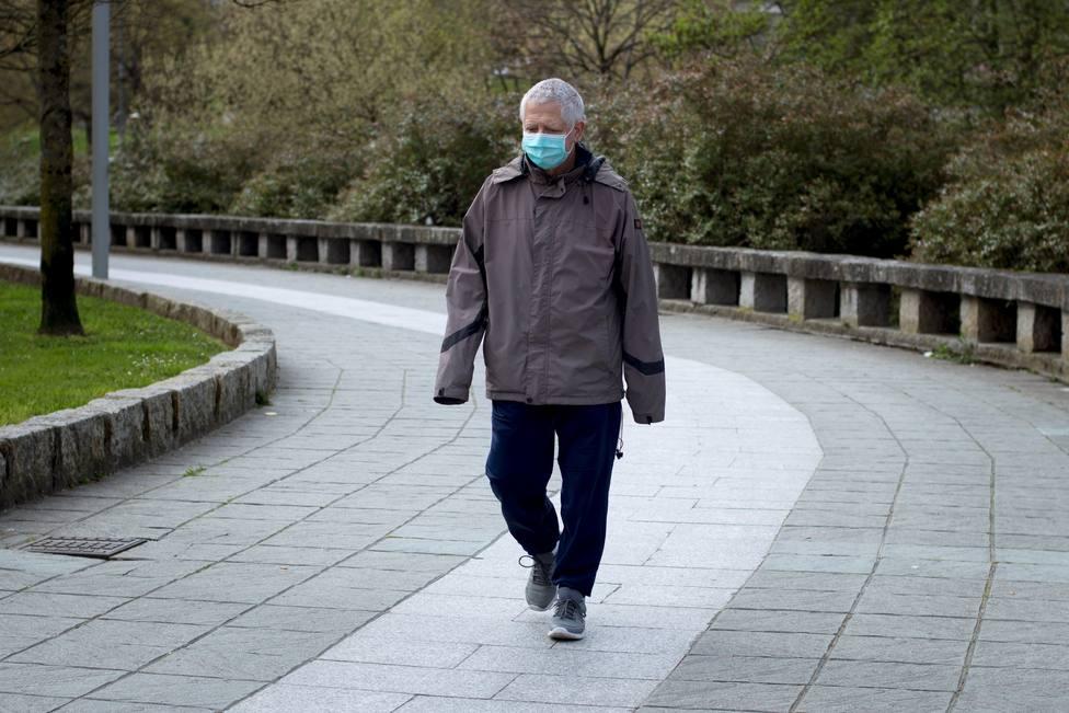 Una epidemióloga advierte que la media de edad de los infectados está subiendo a los 60 años
