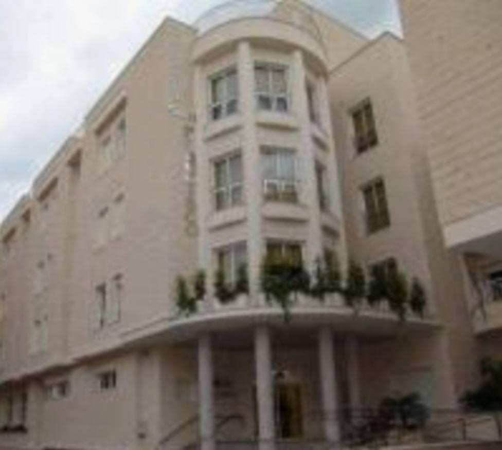 Investigan un brote localizado en una residencia de Águilas con 14 casos positivos