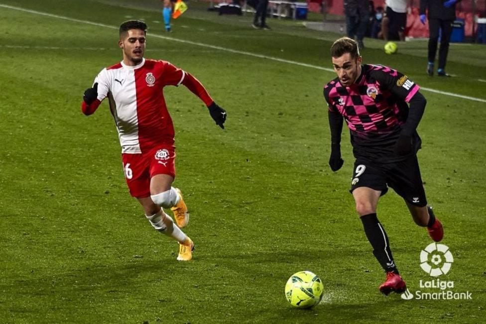 El CE Sabadell empata a cero contra el Girona y sale del descenso