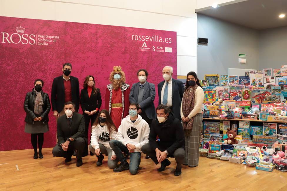 600 juguetes recogidos durante la campaña de Navidad de la Accion Social de la ROSS