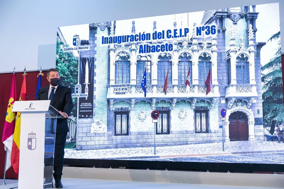 Emiliano García-Page, Presidente C-La Mancha, anuncia la inminente construcción del colegio de Imaginalia