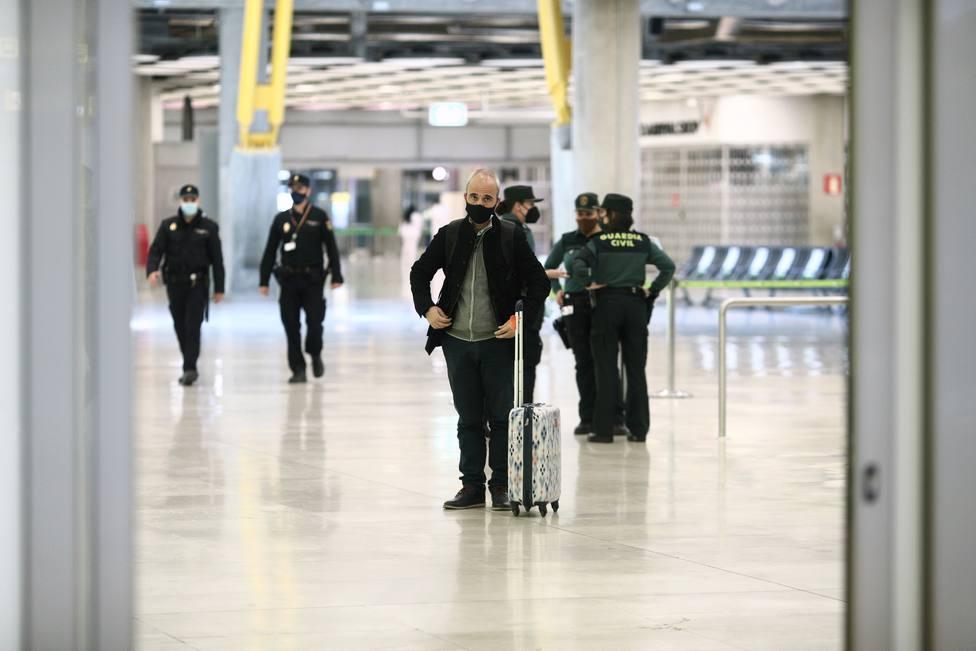 Madrid publica la aplicación del cierre perimetral en San José y Semana Santa aunque lo recurrirá