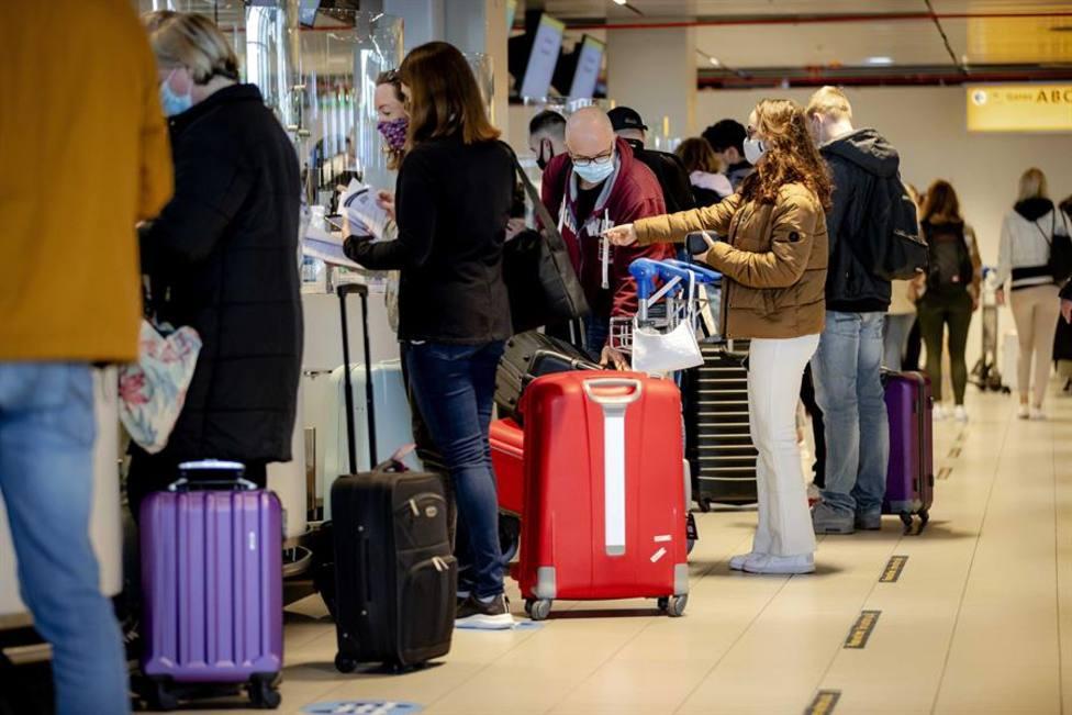 La Audiencia Nacional avala la cuarentena para viajeros procedentes de 12 países para evitar variantes de la C