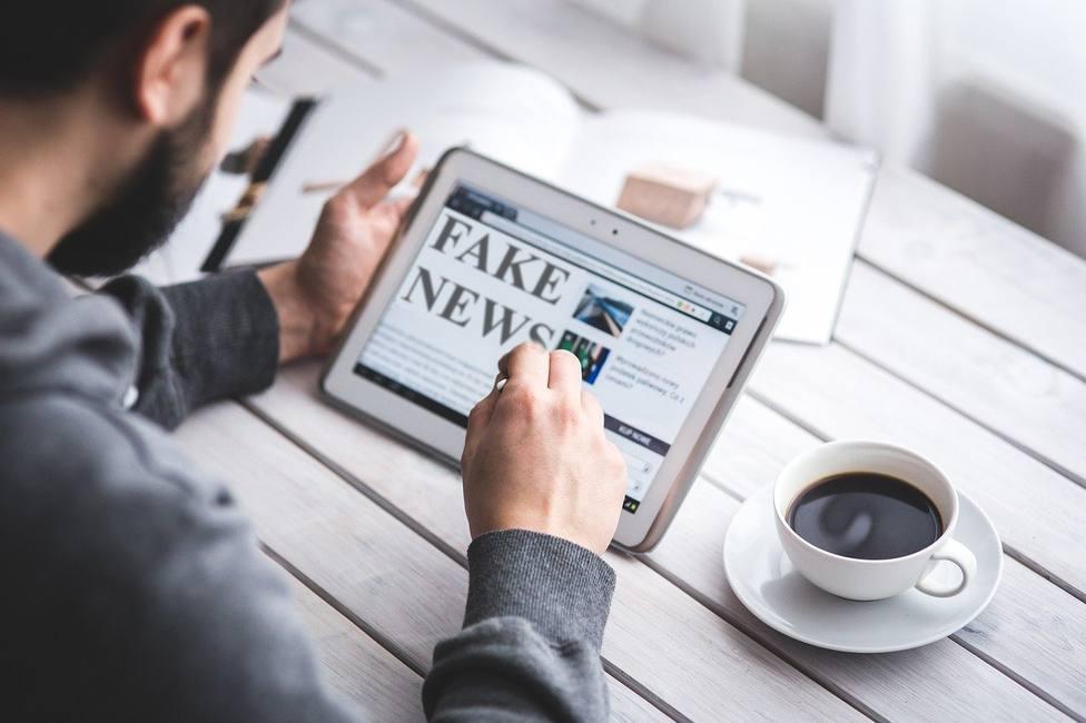 El 68% de los españoles considera a los periodistas la mejor barrera contra las fake news