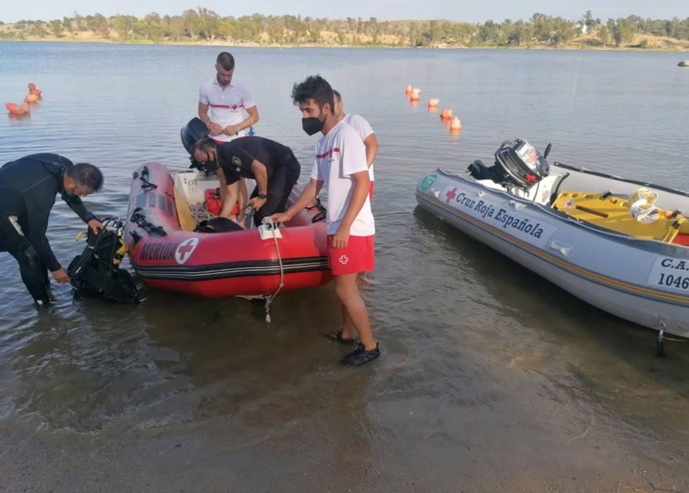 Sucesos.- Reanudado el dispositivo de búsqueda del hombre desaparecido en el embalse de Proserpina en Mérida