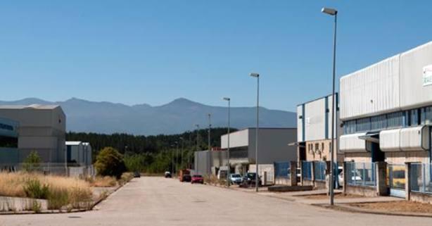 El Ayuntamiento de Cabañas Raras vende 5 parcelas del Polígono Industrial