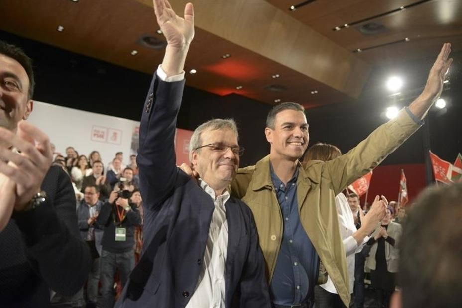 Sánchez dice que la manifestación de Madrid representa una España en blanco y negro que pretende dar marcha atrás