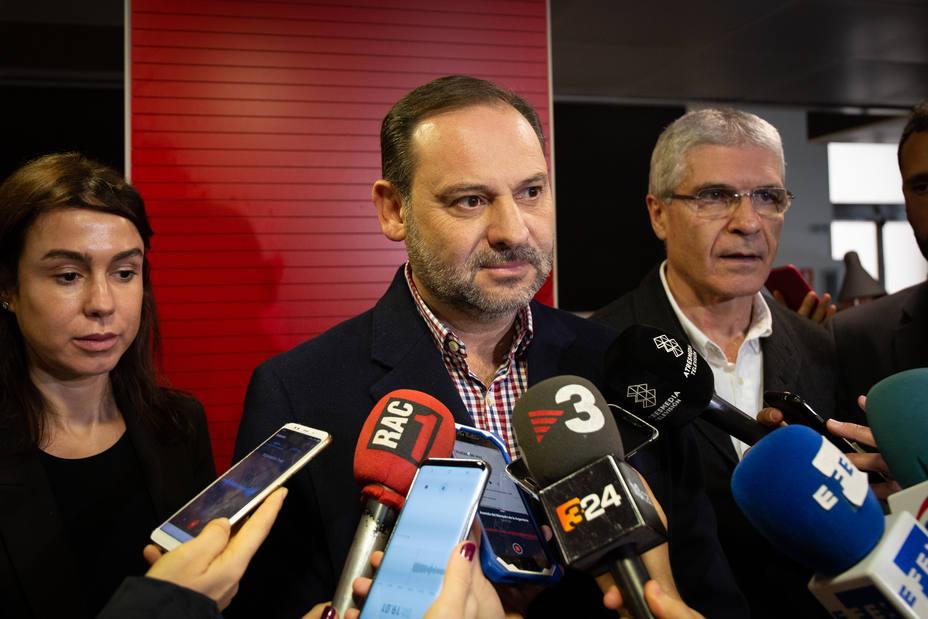 Ábalos no ve sentido a que Sánchez se presente a una moción de confianza y apunta a un adelanto electoral