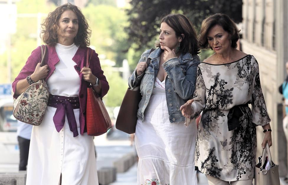 Los negociadores del PSOE y Unidas Podemos se reunirán mañana, tras una llamada de Calvo a Echenique