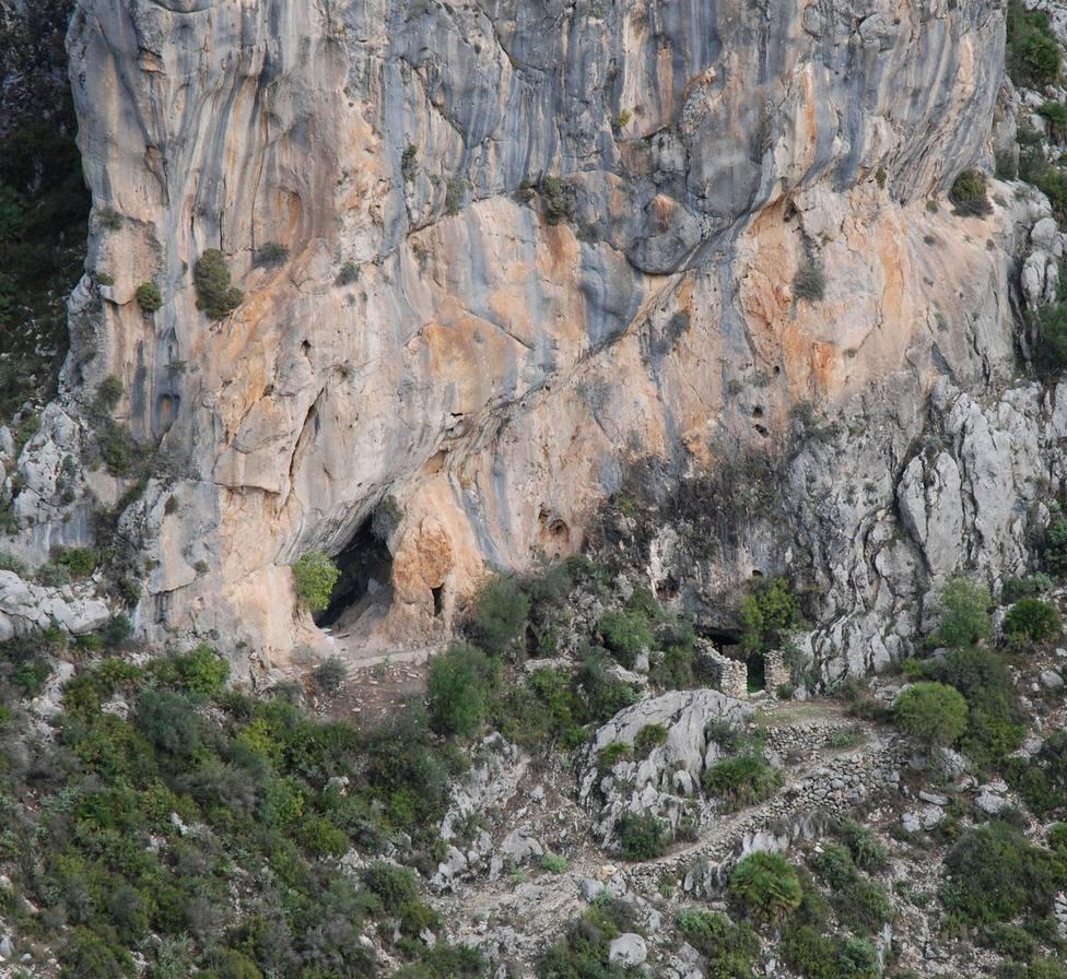 Descubren los fragmentos de cuerda trenzada más antiguos de Europa en las cuevas de Santa Maira (Alicante) - Sociedad - COPE
