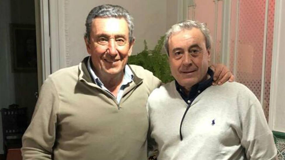 Fernando Cuadri junto a Jotxín Iriarte, presidente de la Comisión Taurina de Azpeitia