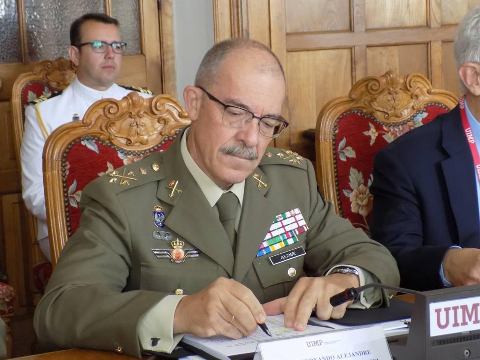 El JEMAD Alejandre se despide pidiendo a los militares que sigan defendiendo al Rey y la patria: Ante todo España