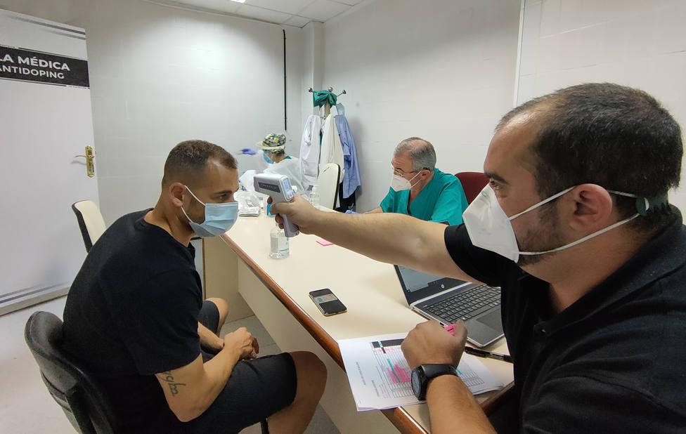 La plantilla del CD Castellón se somete a pruebas PCR