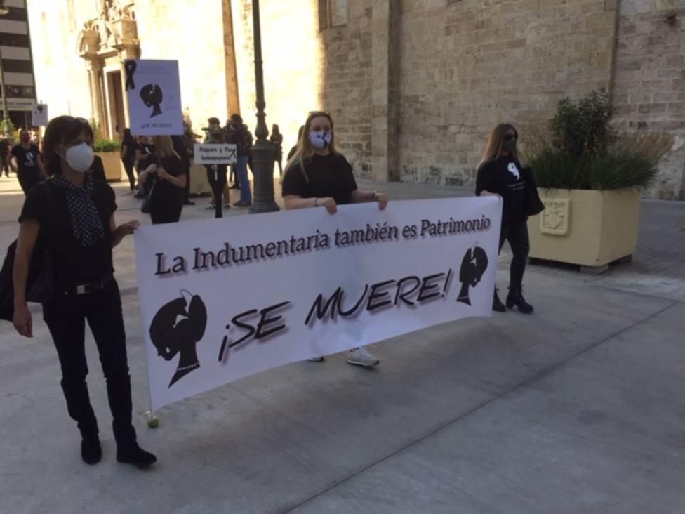 cabecera manifestacion indumentaristas valencia