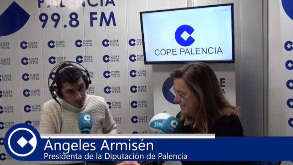 Ángeles Armisén en una entrevista en COPE Palencia