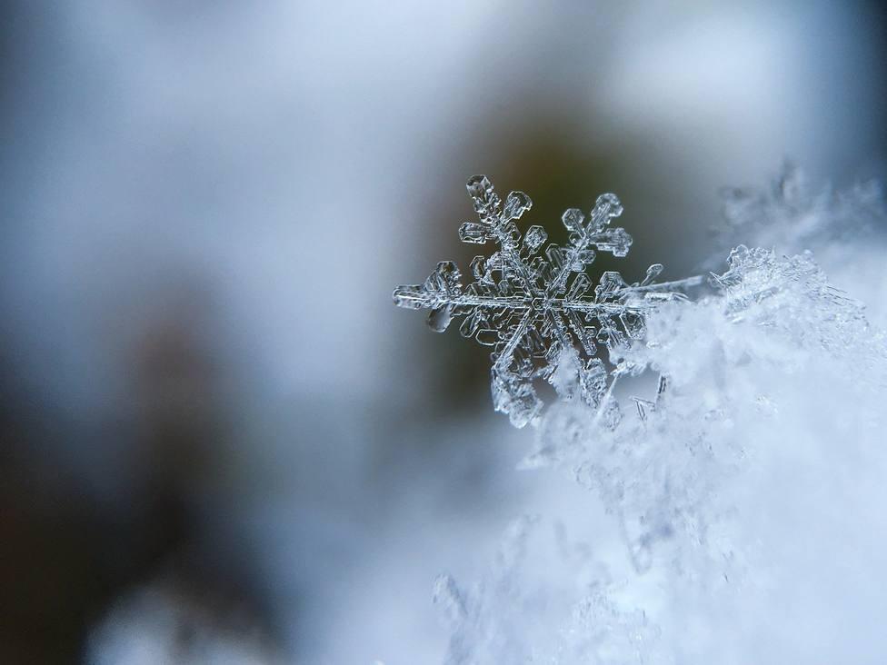 ctv-ybs-snowflake-1245748 1920
