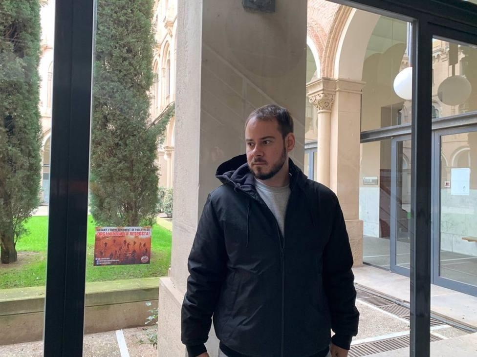 AMP.- Pablo Hasel se encierra en la Universitat de Lleida para evitar el encarcelamiento