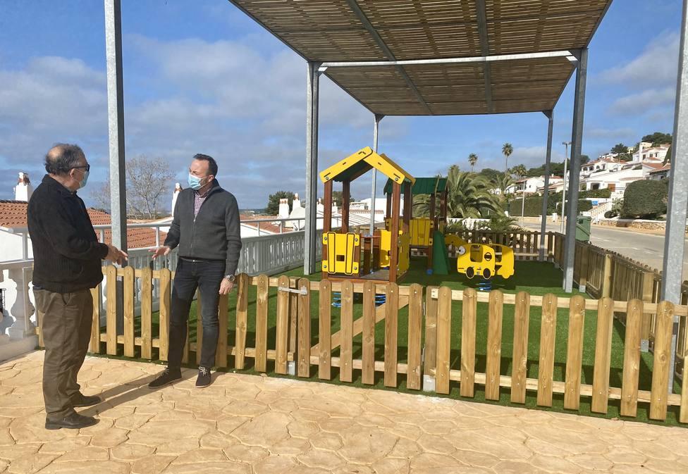 El Ayuntamiento de Alaior construye unnuevo parque infantil
